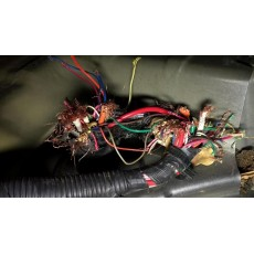 Мишки ядат кабели на колата. Какво да правя?